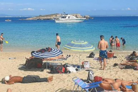 "Cala Comtessa boat accused of ""putting swimmers at risk"""