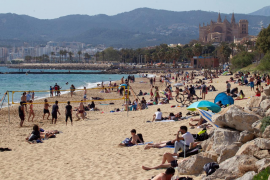 Vaccination roadmap will save the summer season says Balearic President