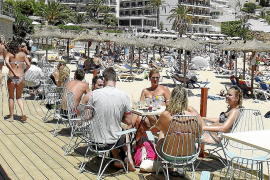 EU referendum could spark late rush on holidays, but supply is short