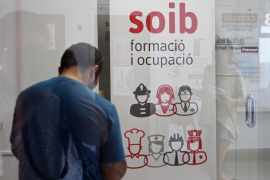Almost 5,000 fewer workers on furlough in the Balearics