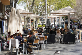 Bars and restaurants set to be open for dinner on their terraces