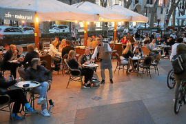 """Bars and restaurants plan to stage a """"rebellion"""" once State of Alarm is lifted"""