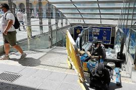 Work starts on repairing Plaça Major escalators