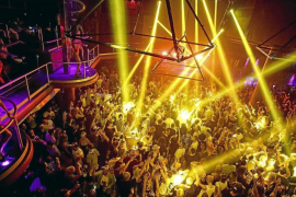 Talks start about a reopening of nightlife