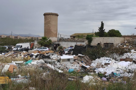 Guardia Civil operation at illegal Palma dump
