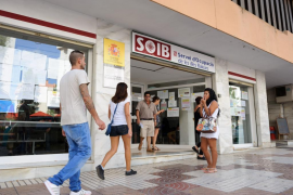 Spain posts record monthly jobless drop in May