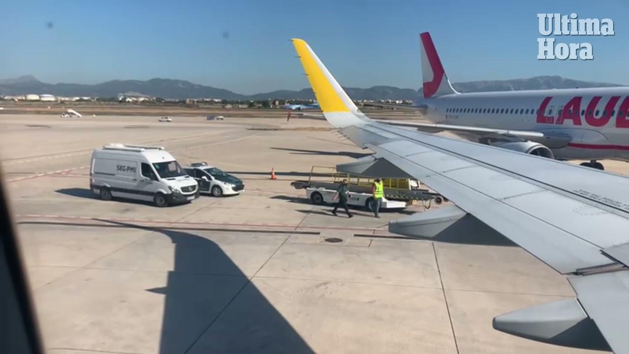 Plane delayed at Palma airport as passenger refuses to switch off phone