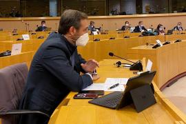 Ex-Balearic president: Political motives for restricting UK travel