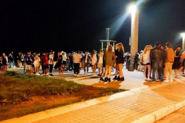 Police break up illegal drinking groups in Palma