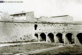 Enjoy Majorca: When the useless walls of Palma came tumbling down