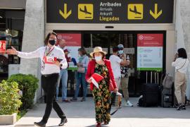 Britain considers vaccine passports to restart holidays to Mallorca