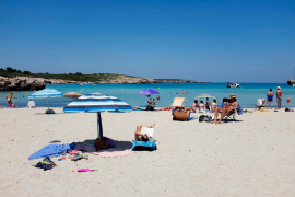 Vaccinated Brits could be back on Mallorca's beaches soon - minister
