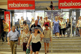 Summer sales expected to fuel surge in jobs on back of sales boom