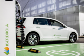 Spain to invest 4.3 bln euros in electric vehicle production