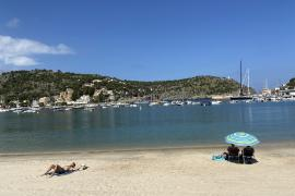 Foreign tourism to Spain surges from year ago in June, 75% below 2019