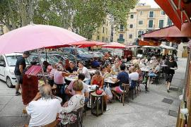 La Lonja bar allowed to open terrace for 1 hour extra