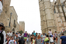 Barceló says it's not possible to limit the number of tourists