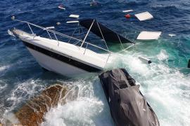 Eleven rescued after boat breaks down