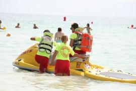 Alcudia lifeguards denounce harassment and lack of material