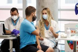 Spain reaches goal of fully vaccinating 70% of its population