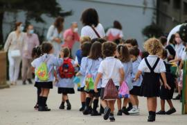 Call for an end to masks for schoolchildren when outdoors