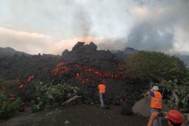 6,000 evacuated as La Palma volcanic eruptions continue