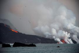Airport shut in Spain's La Palma due to volcano ash