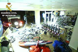 Germans arrested over bike-shop ram-raid