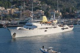 All aboard for filming of The Crown on Mallorca