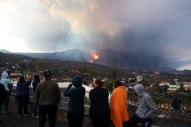 Volcano update: Thousands freed from La Palma lockdown as volcano cloud passes