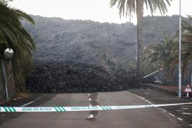 Cumbre Vieja volcano continues to erupt in Spain