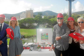 Daily Bulletin golf tournament launched in style