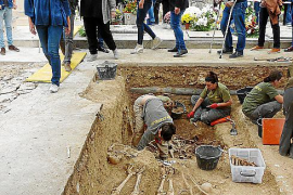 Marratxi requesting exhumation of Civil War graves