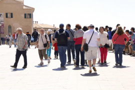 Tourists spent over 10% more up to October
