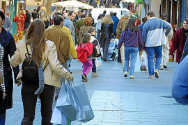 Smaller retailers not benefiting from the cold