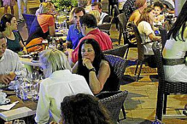 Palma starts to limit the number of bars and restaurants