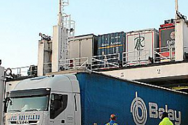 Dockworkers call off first strikes but worries about supplies persist