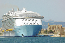 Balearic cruise passenger numbers fell last year