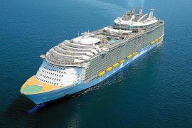 World's biggest cruise ship heading for Palma