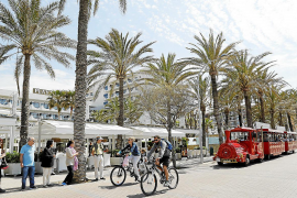 Tourism sector heading for another record year