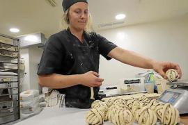 "Swedish baker launches ""Operation Kanebullar"""