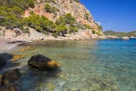 La Playa de Cala Blanca, Andratx.