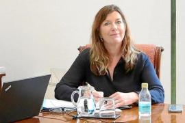 Patricia Gómez, Health Minister.