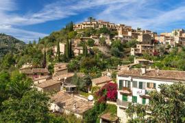 Deya Village