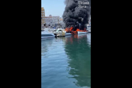 Fire at the Nautical Club in Can Picafort.