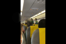 Incident on a flight for not wearing the face mask correctly