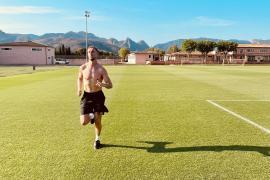 Jordan Henderson training on Mallorca