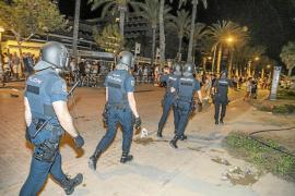 Police breaking up illegal drinking parties in Palma.