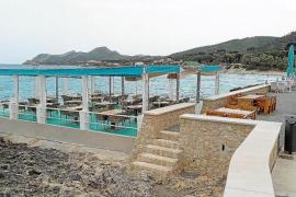 Bar & Restaurant terraces on the Cala Ratjada promenade.