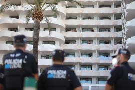 Palma police outside the 'Covid hotel'